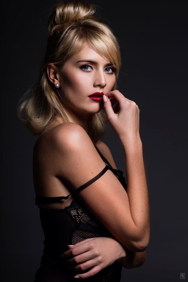 Christina model dance 8 8